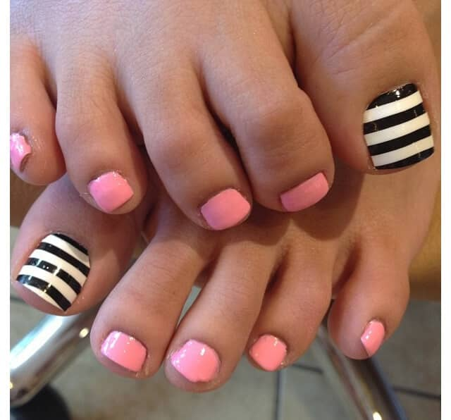 50 Adorable Summer Toe Nail Art Inspirations to Let the Summer Fun Begin - image 11-summer-toe-nails-thelateststyle on https://alldesingideas.com