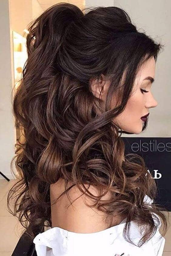 High Pony With Flowing Curls