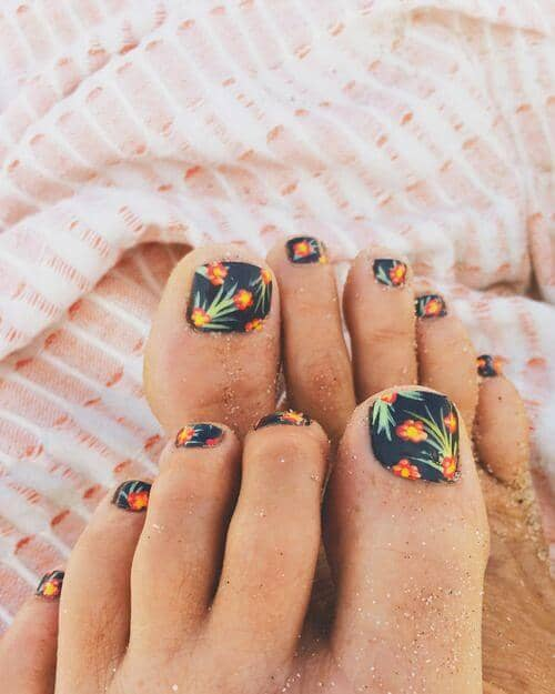 50 Adorable Summer Toe Nail Art Inspirations to Let the Summer Fun Begin - image 20-summer-toe-nails-thelateststyle on https://alldesingideas.com