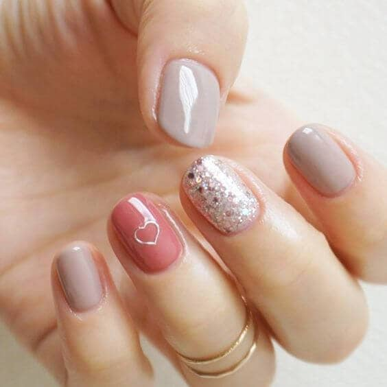 Fun Natural Mix & Match Nail Designs