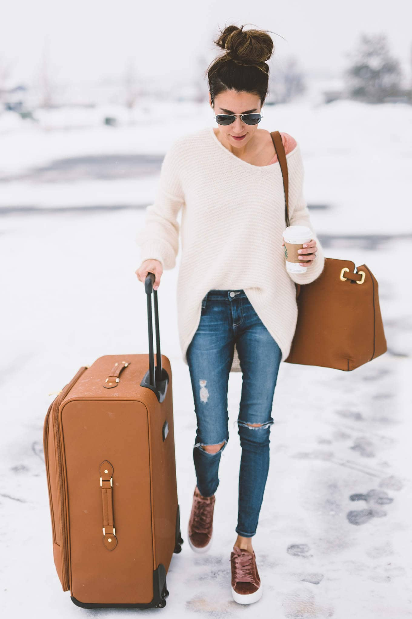 64d8a34ad3b 25 Trendy Airport Outfits to Make Traveling More Enjoyable