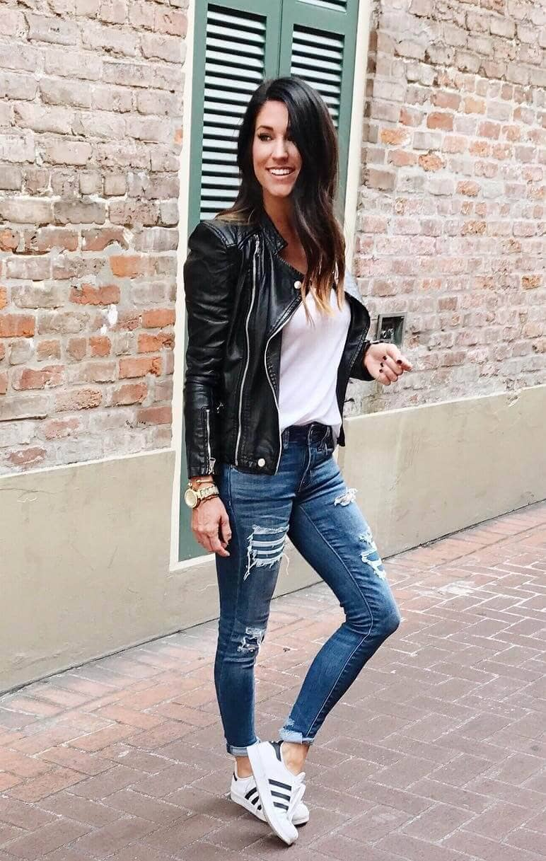 Ripped Jeans Outfits For Fall