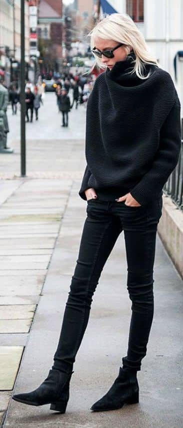 Loose fitting Black Turtleneck Sweater and Skinny Jeans