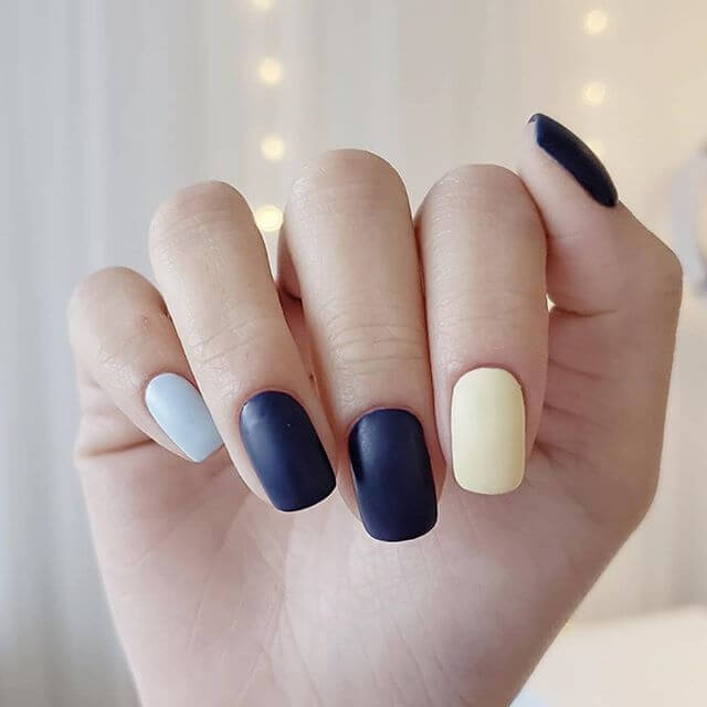 Mod Matte Winter Wonder Nails