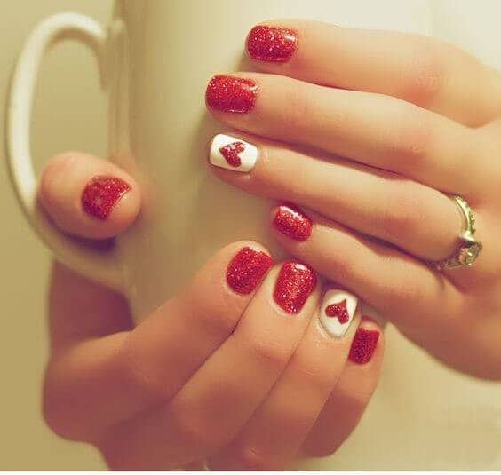 25 Cute Christmas Nail Designs To Show Your Sparkle