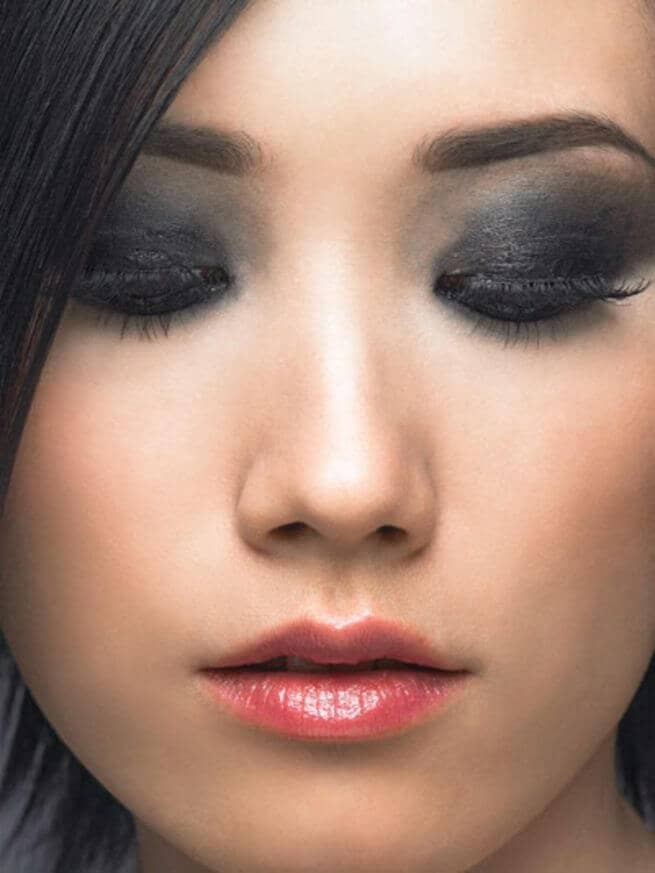 Sultry Black Lids? Yes Please!