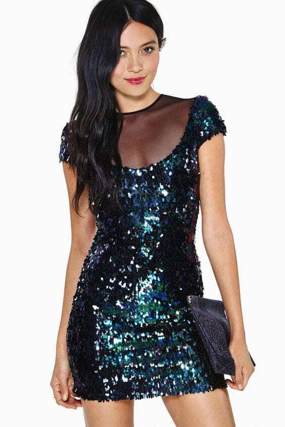 Мини-платье с блестками и клатч