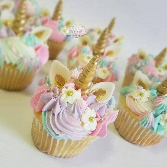 Gold-Flecked Fondant Unicorn Cupcakes
