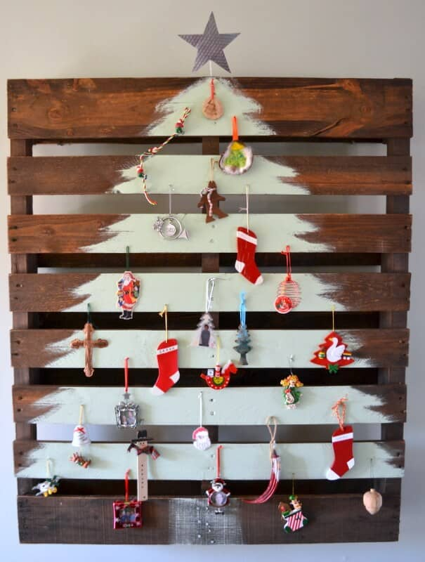 The Princely Pallet: A Very Wooden Christmas