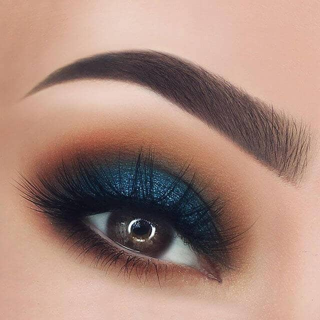 A Blue Lid wth Flawless BrowsA Blue Lid wth Flawless Brows