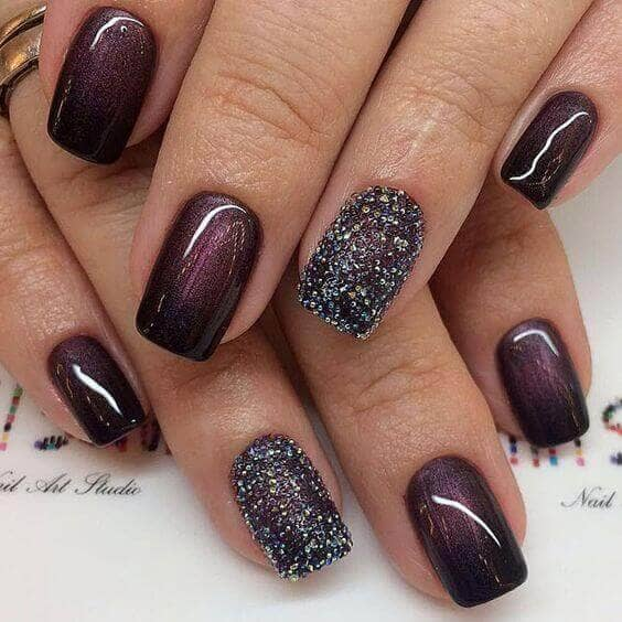 Ombré Onyx and Amethyst with Textured Matte Accent Nail