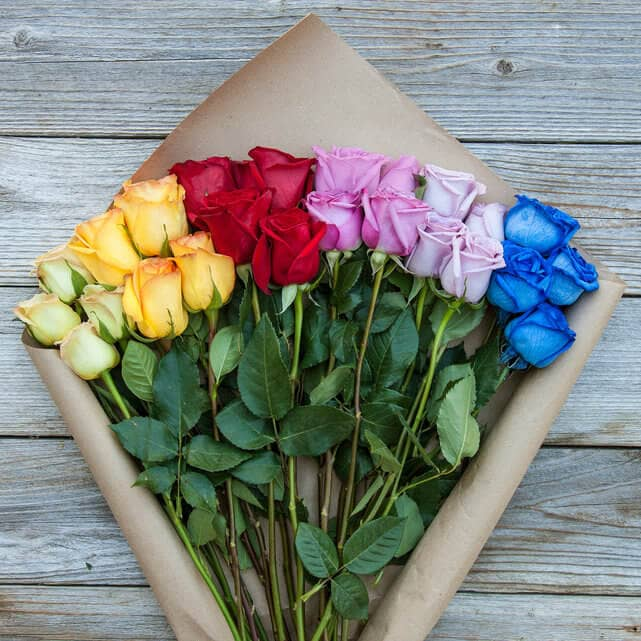 Creative Valentine's Day Rainbow Rose Bouquet