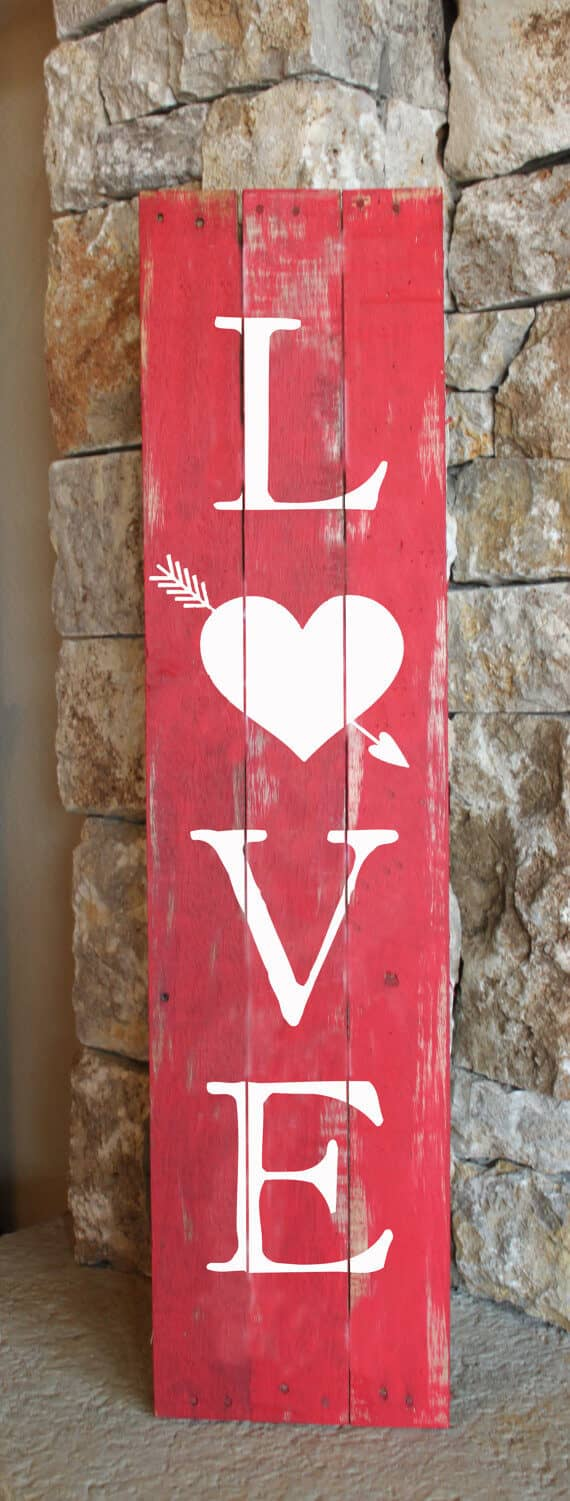 Do-It-Yourself Painted Valentine's Day Wooden Decoration