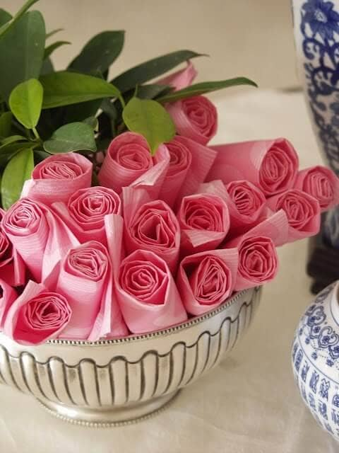 Easy Pink Paper Napkin Roses