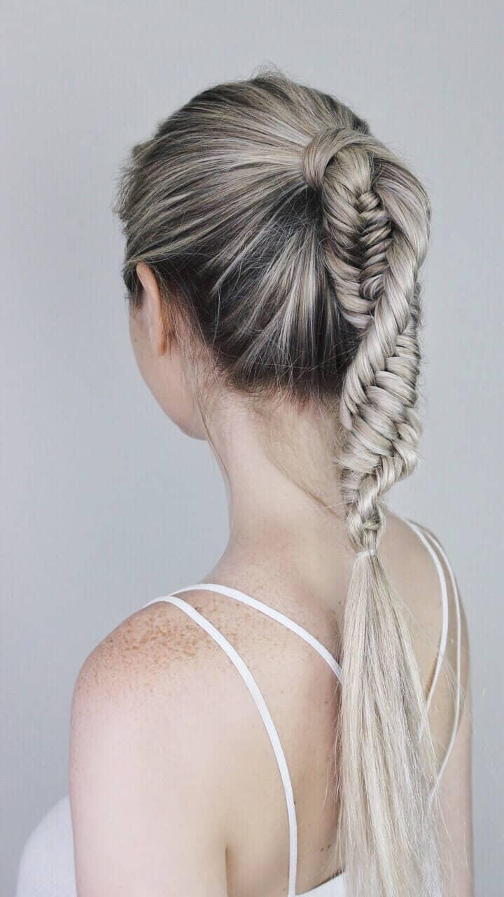 Twist And Turn Complex Braid