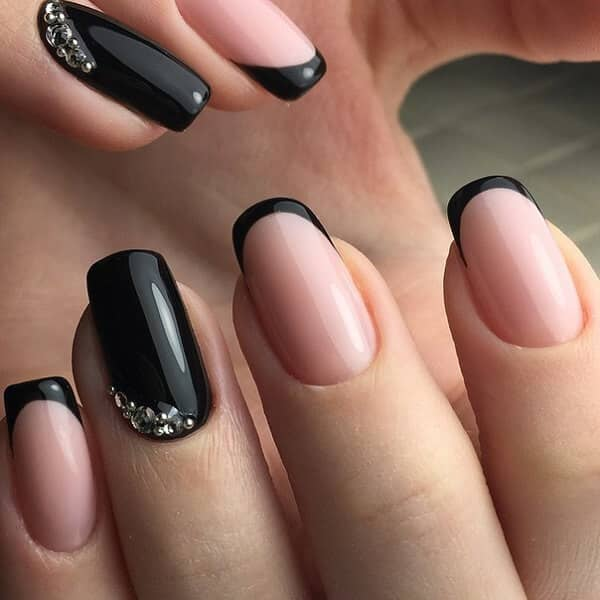 18 Black Tipped French Manicure With Accent