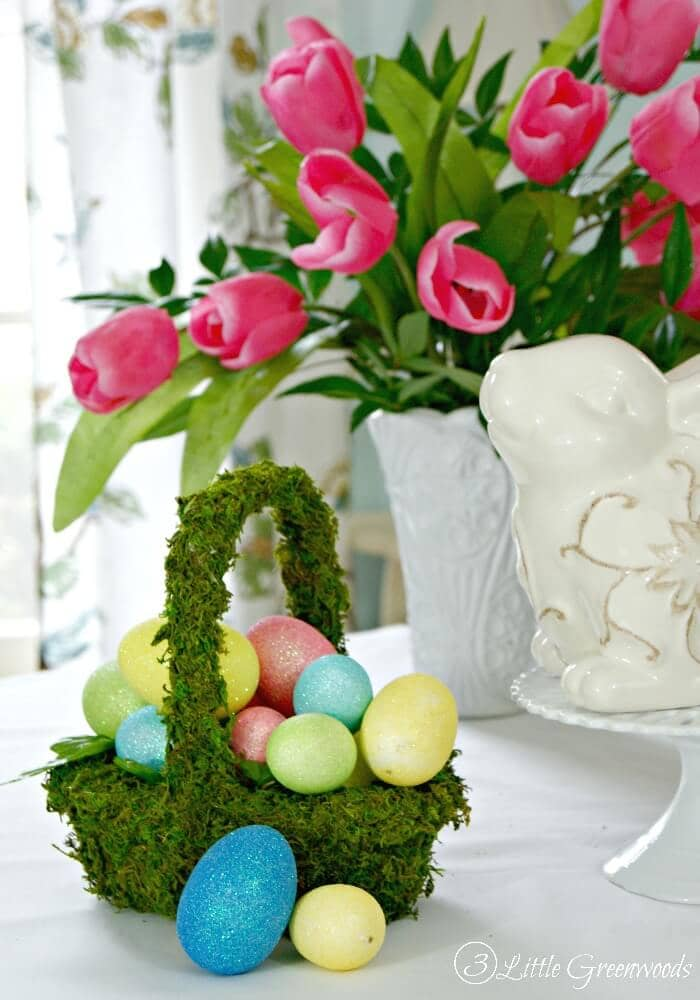 25 creative diy easter basket ideas that can be done in one afternoon 2 natural floral moss basket with eggs negle Images