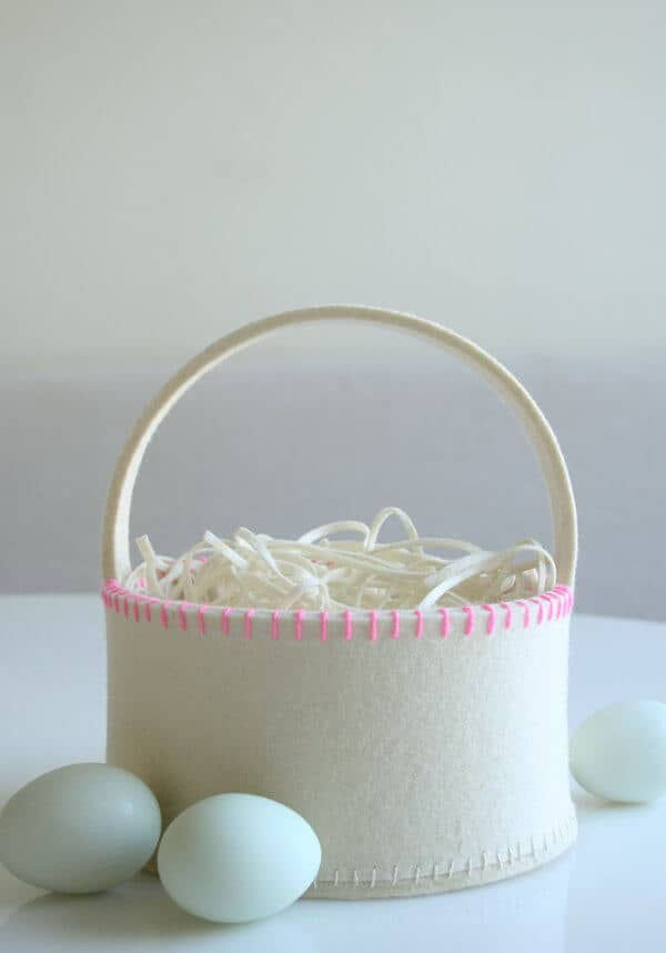 Simple Felt Basket with White Grass