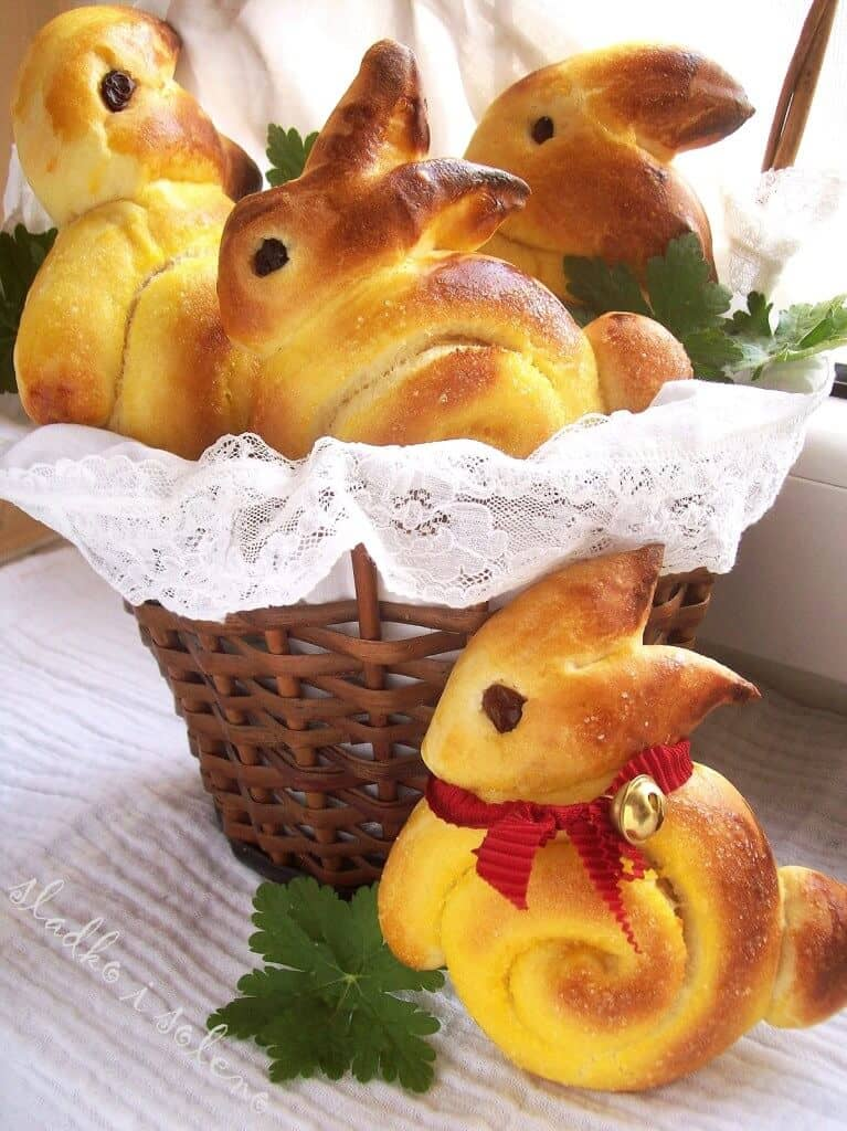 Adorable Bread Rolls Shaped Like Bunnies