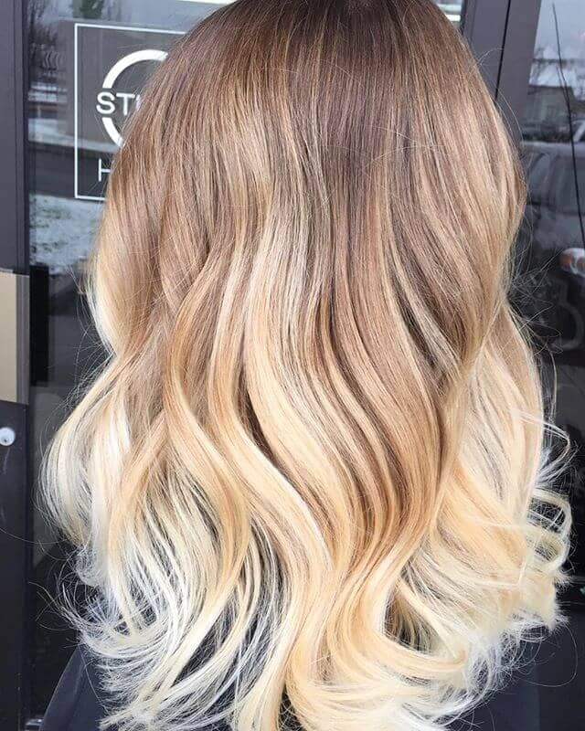 50 Bombshell Blonde Balayage Hairstyles That Are Cute And