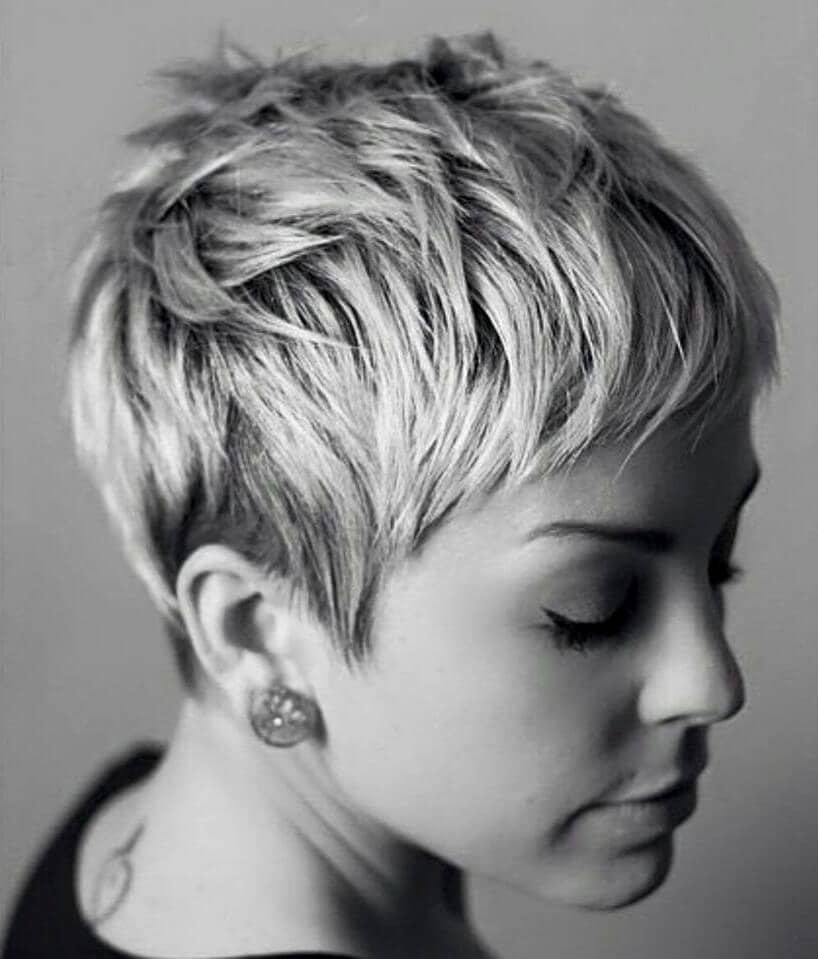 Short Pixie Cuts for a Feminine Look