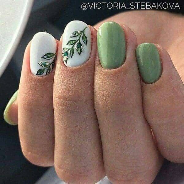 32) Going Green with Vivacious Vines - 50 Dazzling Ways To Create Gel Nail Design Ideas To Delight In 2018