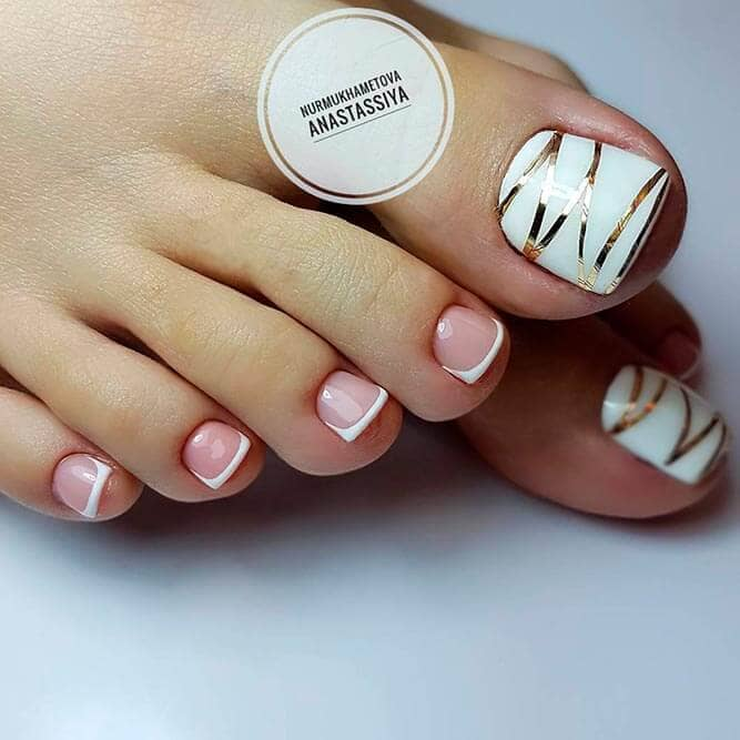 d27b85146f6f 11) Combination French Pedicure and Gold Stripes