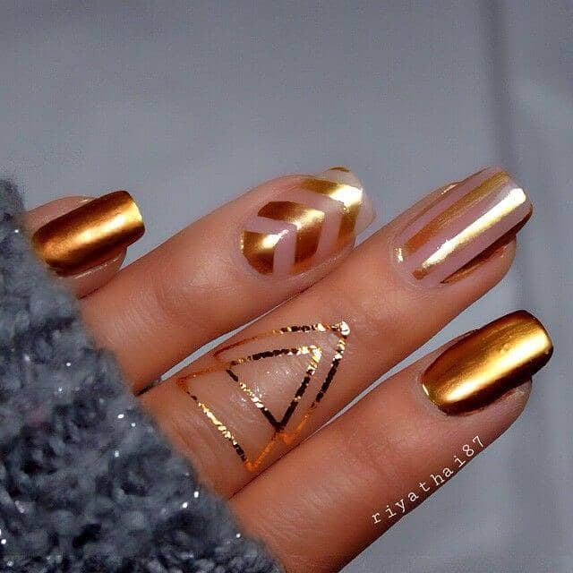 Simple Geometric Designs in Gold