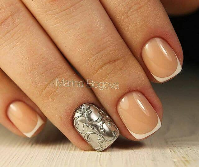 Elegant, Gold 3D Nail Design
