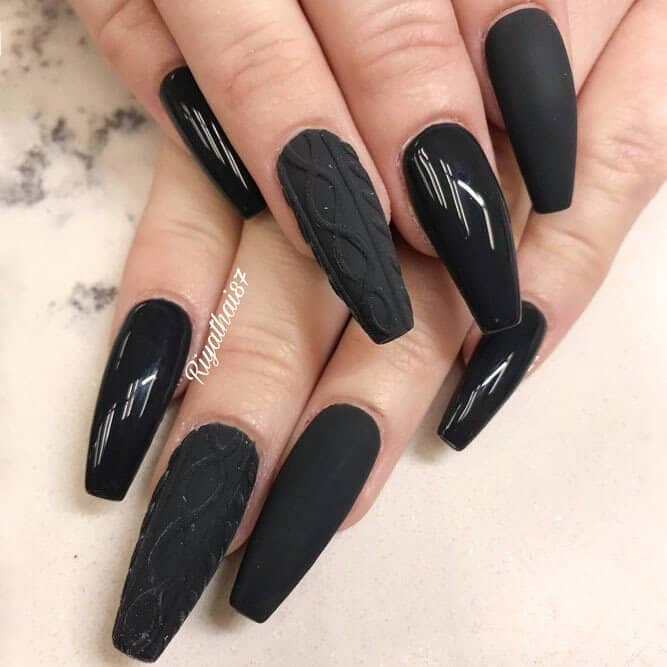 Sweater song: matte, gloss, and a classic sweater design - 50 Dramatic Black Acrylic Nail Designs To Keep Your Style On Point