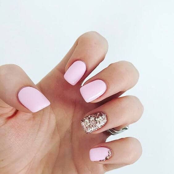7) Prom Queen Gold Glitter And Matte Pink Nail Designs - 50 Sweet Pink Nail Design Ideas For A Manicure That Suits Exactly