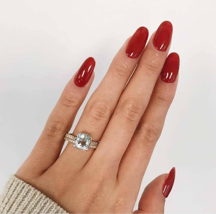 Sweater Weather Mid Length Oval Acrylic Nails