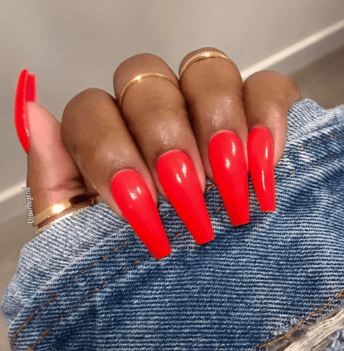 24 Casual Friday Red Coffin Nails
