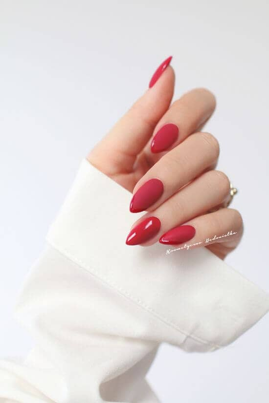 Short Pointed Classic Red Nails