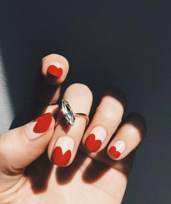 Queen Of Hearts Cute And Easy Nail Design