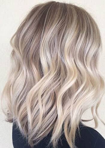 Medium Blonde Ash Wavy Layers