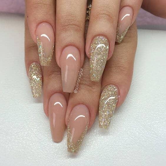 Gold Dust Woman Glitter Manicure