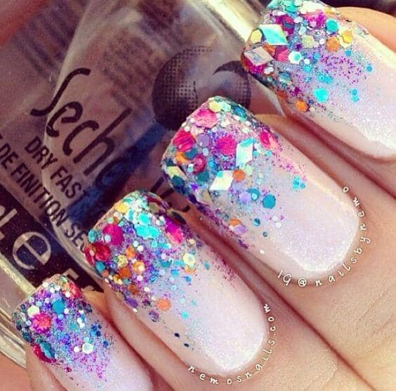 Large Glitter Pieces in an Ombre Style