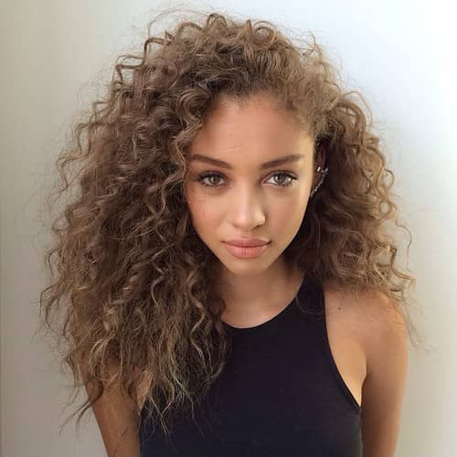 Medium Hairstyles For Curly Hair Girls 56