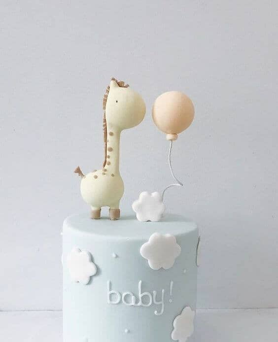 Sleek Giraffe and Balloon Design
