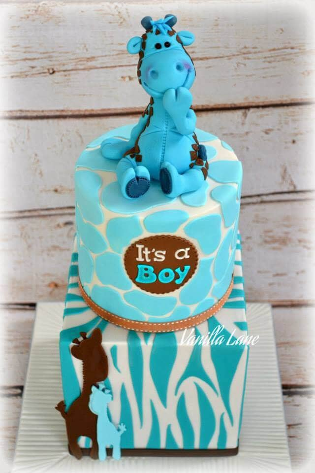"Smiling Giraffe Topper Announces ""It's a Boy"""