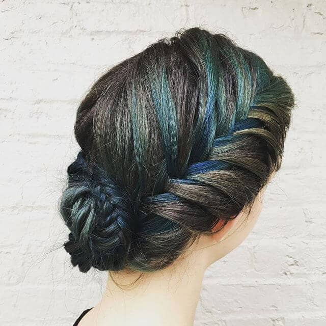 Quick Updo Shows Off Cool Colors