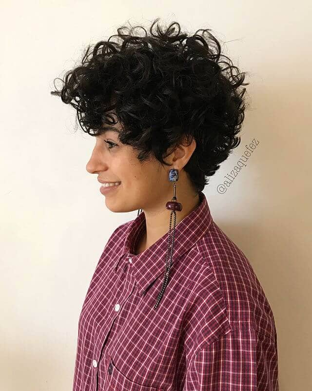 50 Short Curly Hair Ideas to Step Up Your Style Game in 2019