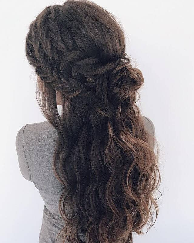 Dunkelbraun Double Braid Messy Half Updo