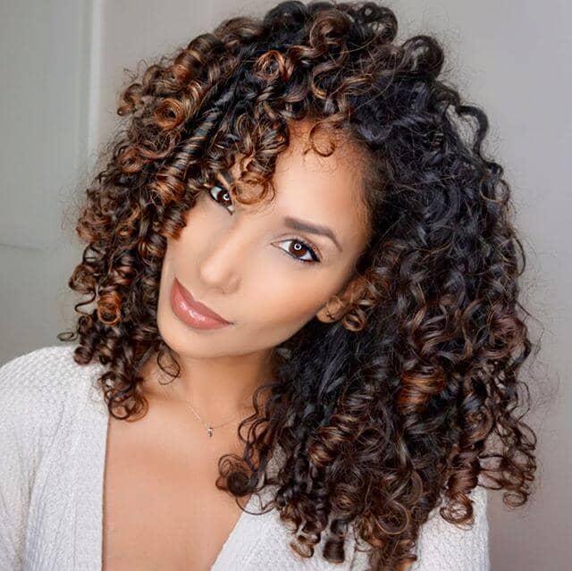 Wunderschöne Voluminöse Enge Coiled Curls