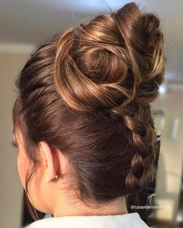 Unique Updo With Beautiful Bun and Braid