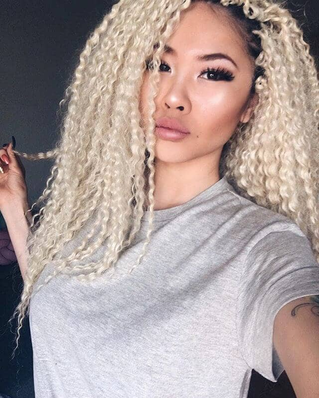 Long Blonde Kinky Hair with Dark Roots