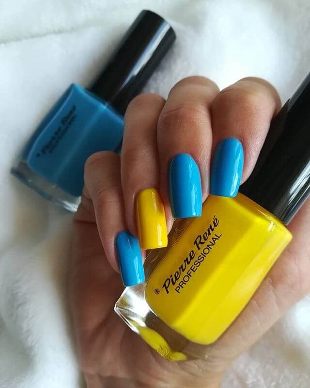 Square Nails in Bright Yellows and Blues
