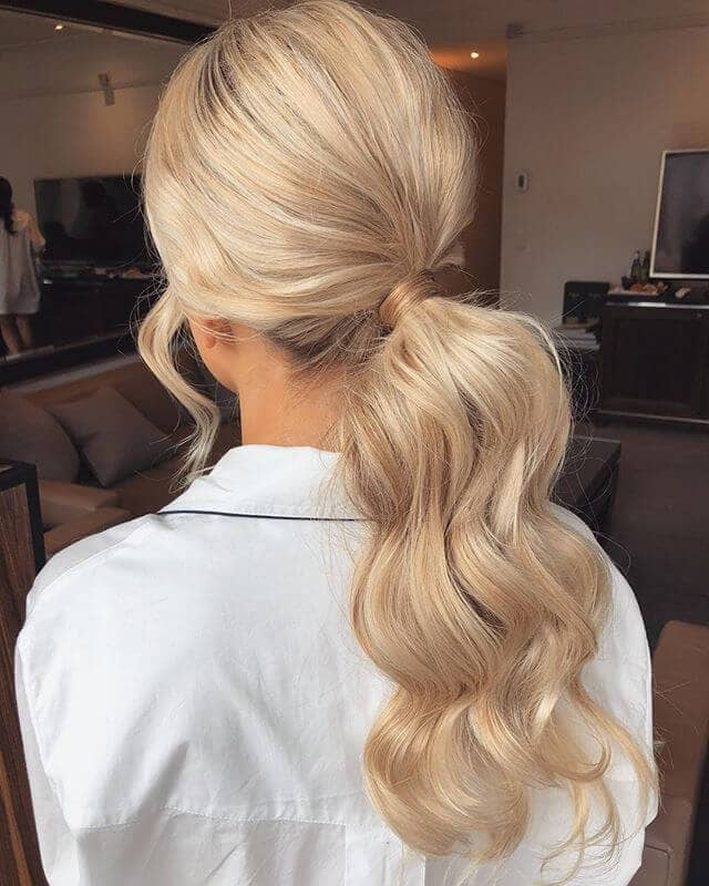 Pretty Ponytail Styles for Loose Curls