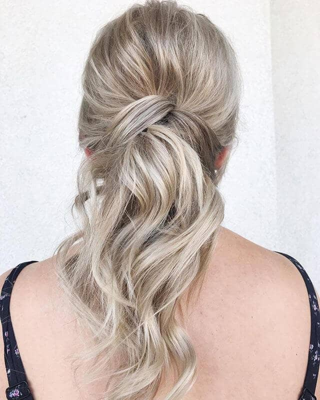 Cool Chignon Twist Ponytail Style